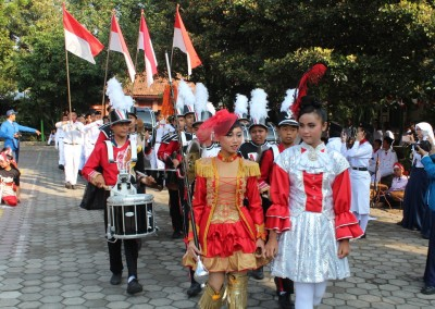 17-an-marching-band